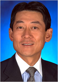Dow Kim received $35 million in 2006 from Merrill Lynch. [Bloomberg News]